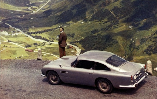 aston-martin-db5-james-bond-gadgets-wallpaper-6